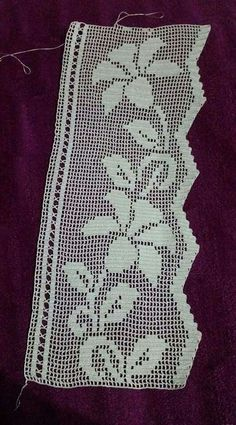 This Pin was discovered by Nil Crochet Pillow Patterns Free, Doily Patterns, Crochet Chart, Filet Crochet, Crochet Stitches, Embroidery Patterns, Crochet Lace Edging, Crochet Borders, Crochet Trim