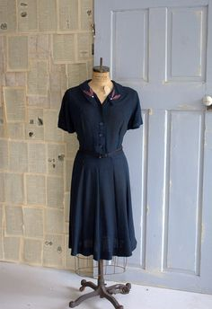 1940s Blue Crepe Party Dress with Beautiful Collar ========Rare Plus Size!===> $88.00