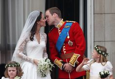 The Kiss that everyone was waiting for was sweet!   William's parents were the first Royals to kiss on the Buckingham Palace Balcony.  Sweet tradition being carried on!