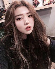 Las etiquetas más populares para esta imagen incluyen: asian girl, fashion, asian style, korean girl y ulzzang