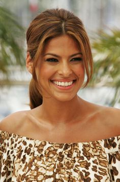 Eva Mendes Photos  Cannes - We Own The Night - Photocall Liv Tyler 9e025f2e978