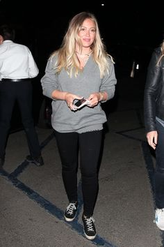 Hilary Duff at the Hollywood Bowl https   ift.tt 2tFuUDl The d29086e25