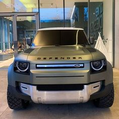 Periodic vehicle maintenance, which is of great importance for driver and passenger safety, has a positive effect not only on safety but also on the performance of the car provided … Land Rover Suv, Jaguar Land Rover, New Defender, Land Rover Defender, Car Repair Service, Auto Service, My Dream Car, Dream Cars, Range Rover Off Road