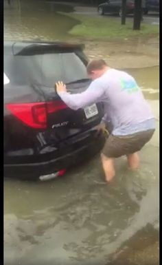 Video: Lucky driver escapes flooded car after Harvey hits Cypress area http://www.chron.com/news/houston-weather/hurricaneharvey/article/hurricane-harvey-video-man-saved-flooded-cyress-11983766.php