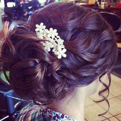 curls upstyled