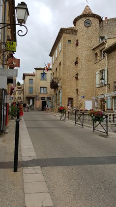Châteauneuf du Pape. France. Personal photo. Marie-Lys.