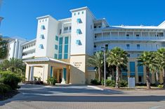 Booking.com: Carillon Beach Resort Inn , Panama City Beach, USA - 225 Guest reviews . Book your hotel now! Beach Vacation Spots, Cruise Vacation, Beach Resorts, Hotels And Resorts, Disney Cruise, Panama City Beach Florida, Panama City Panama, Best Hotel Deals, Best Hotels