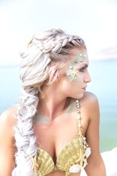 Beautiful Mermaid Style!  Getting down to the water looking Divine!