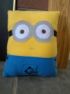 DIY No Sew Minion PIllow (Despicable Me.Minions Movie) - Requested Video | Minion pillow Minion movie and Pillows : sewing pattern for minion pillow  - pillowsntoast.com