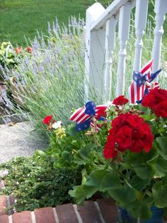 Nice 4th of July Welcome on steps (1) From: J Scrappy, please visit
