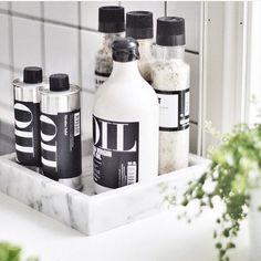 Kitchen Pantry, Kitchen Items, Bathroom Styling, Kitchen Styling, Kitchen Interior, Kitchen Decor, Kitchen Dining, Dining Room, Black And Grey Kitchen