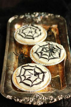 Easy No-Bake Spiderweb Cheesecake Recipe for Halloween from One Sweet ...