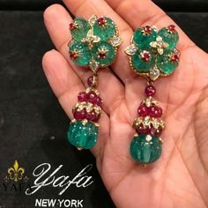 Perfection as always from #VCA , with carved emeralds, ruby bead, and diamond earrings. Circa 1960's. ⚜️⚜️#yafasignedjewels