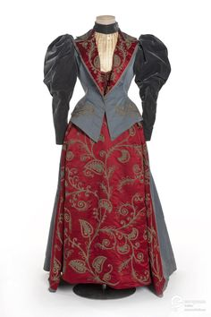 Fripperies and Fobs Day dress, 1895.  From Les Arts Décoratifs via Europeana Fashion.