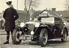 British Police Cars, Old Police Cars, Police Vehicles, Emergency Vehicles, London Police, Mg Cars, Police Uniforms, State Police, The Old Days