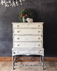 Painted Annie Sloan graphite, French linen and a mix of old and pure white