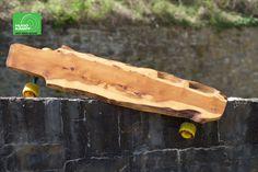 Unser selbst gebautes designer Longboard aus Ulme, rollt wie eine 1! Tabletop, Butcher Block Cutting Board, Designer, Furniture, Instagram, Reclaimed Wood Table Top, Elm Tree, Table, Home Furnishings