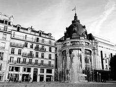 Bazar De Lhotel De Ville In Paris France