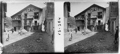 """Esterri d'Àneu_0022. """"Creu i plaça d'Esterri d'Aneu"""", Josep Salvany i Blanch, 1917"""