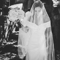 Peggy 🌿 Maison Pestea (@maisonpestea) • Photos et vidéos Instagram The Vivienne, Bridal Gowns, Wedding Dresses, Northern Ireland, Vivienne Westwood, Bridal Collection, Dresses Ireland, Romantic, Bride