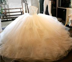 Sweetheart Ball Gown Tulle Bridal Gowns White Crystals Women Bridal Gowns