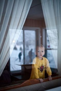 Here is another personal photo I am completely in love with. This was a few years ago when we were visiting my Grandparents.  A storm had just come through my kids were not used to snow since we lived in TX at the time and my Grandpa was bound and determined to get to coffee that morning.  When shooting LOOK for reflections! I was able to capture my son my grandparents home {which is one of my favorite places on earth!}  And the reflection of them digging.   I should have shot at a higher…