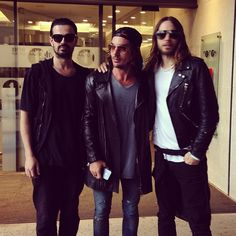 #ShareIG THIRTY SECONDS TO MARS OUTSIDE RADIO 1