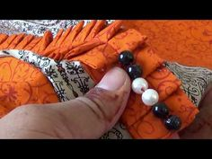 HOW TO MAKE STYLISH HANDBAG FROM OLD JEANS AT HOME-MAGICAL HANDS HINDI SEWING TUTORIAL - YouTube