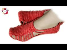 [Video Tutorial] This Easy Crochet Slippers With Unique Design Are Beginner Friendly - Knit And Crochet Daily