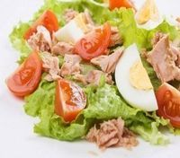 Tuna Summer Salad High protein Salad: http://www.lamuscle.com/magazine/article/TunaSummerSalad
