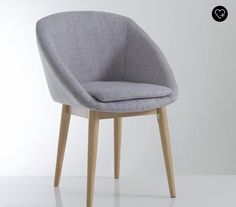 Fauteuil - slim, a bit more chair-like.