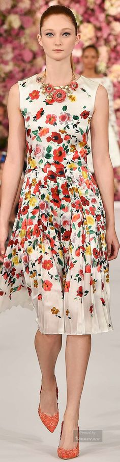 http://www.trendzystreet.com/clothing/dresses - Oscar de la Renta.Spring 2015. This is just beautiful :) Love it.