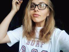 #girl #tumblr #nerd #surf #glasses #photography #short #hair