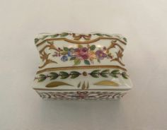 VINTAGE LIMOGES FRANCE PORCELAIN FLOWER TRINKET BOX