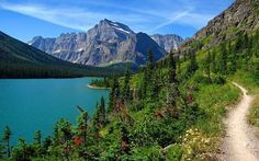 Explore Glacier National Park and discover what awaits you. Add this amazing space in your bucket list at mylifebucket.com