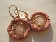 Handgefertigte ausgefallene Ohrringe  Traumfänger Ohrringe in Rosa mit Rosenquarz - Herzstein    Ein besonderes Geschenk - ausgefallen - zum Valentinstag :-)