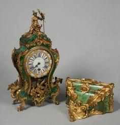 """Petit Cartel en corne verte """"au Chinois"""" par Julien LeRoy - AnticStore Antiquités 18ème siècle - Réf.17244"""