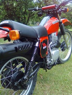 Find fellow car enthusiasts today on the Shannons Club. Vintage Honda Motorcycles, Honda Bikes, Off Road Moto, Enduro Motorcycle, Vintage Motocross, Dirtbikes, Street Bikes, Scrambler, Cool Bikes