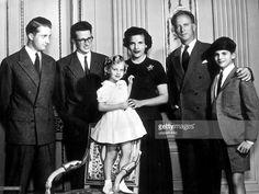 Leopold III. von Belgien *-+Koenig von 1934-1951- v.l.n.r: Prinz Albert von Liege, KoenigBaudouin, Prinzessin Marie-Christine,Prinzessin Liliane de Rethy, ExkoenigLeopold III. und Prinz Alexander- 1956
