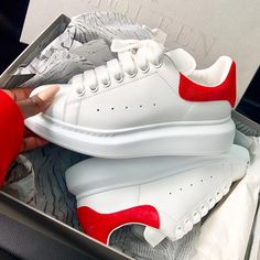Alexander McQueen Girls Box Sizes : Price : 2999 For order or more information you may contact us at 9599133346 Alexander Mcqueen Oversized Sneakers, Alexander Mcqueen Shoes, Sneakers Fashion, Fashion Shoes, London Fashion, Sneaker Store, Adidas Sneakers, Shoes Sneakers, Hype Shoes