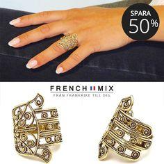 Spara 50% på ringar från LottaDjossou Paris. Chic ring i form av Fatimas  hand 138148ce9c460