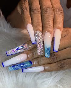 What Christmas manicure to choose for a festive mood - My Nails Drip Nails, Bling Acrylic Nails, Aycrlic Nails, Best Acrylic Nails, Rhinestone Nails, Bling Nails, Swag Nails, Grunge Nails, Pastel Nails