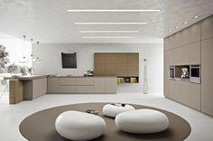 couleur pour cuisine moderne - armoires en beige et en bois, plafond et murs en gris clair, tabourets design de forme ovale blancs