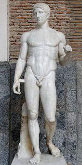 DORYPHORE DE POLYCLETE DE LA PALESTRE SAMNITE/ 440AC/ moulage d'un original grec avec ajout de tenons contre le bras en marbre et ajout d'un tronc contre la jambe portante/ original était en bronze