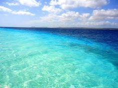 Alguém sabe onde fica esse paraíso? Passa lá no passaportecarimbado.com e descubra este e mais lugares assim  #p_carimbado #Praia #ProximoDestino #Beach #Vacation #viagem #Summer #Férias #LugaresQueQueroConhecer #queromais #Euquero #trip #travel