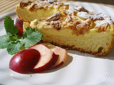 V kuchyni vždy otevřeno ...: Kynutý tvarohovo - jablkový koláč na plech