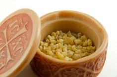 Herbal Arthritis Remedies: Using Frankincense Can Help Diminish Pain..not with heat or coolness..the pain is just gone