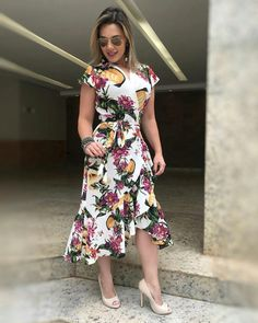 """336 curtidas, 32 comentários - Atacado E Varejo (@atriomodas) no Instagram: """"Olha esse vestido transpassado  muito lindo (p,m,g) Obrigada por seguir a nossa marca! Atrio…"""" Modest Outfits, Modest Fashion, Trendy Outfits, Fashion Outfits, Womens Fashion, Flora Dress, African Lace Dresses, Fishtail Dress, Church Fashion"""