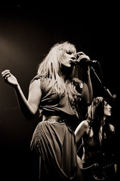 Grace Potter w/Catherine Popper | original source... http://ilivetoseekagreatperhaps.tumblr.com/post/20509587024
