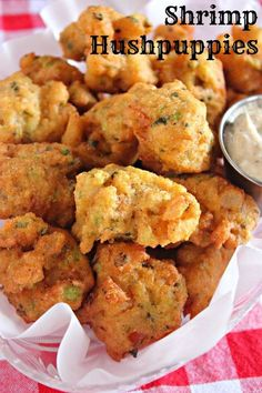 Hushpuppies Wow your guests with these Southern Shrimp Hushpuppies!Wow your guests with these Southern Shrimp Hushpuppies! Fish Recipes, Seafood Recipes, Appetizer Recipes, Cooking Recipes, Jalapeno Recipes, Yummy Appetizers, Mexican Appetizers, Halloween Appetizers, Avacado Appetizers